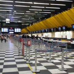 Photo taken at Aeroporto de São Paulo / Congonhas (CGH) by Flávio J. on 10/18/2013