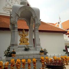 Photo taken at เทวสถาน (โบสถ์พราหมณ์) Dhevasathan (Brahmin Shrines) by Saran Y. on 1/25/2015
