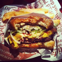 Photo taken at Red Robin Gourmet Burgers by Meghan M. on 12/31/2012