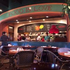 Photo taken at La Grande Orange Cafe by Kimmie T. on 12/24/2013