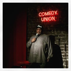 Photo taken at Comedy Union by Zulma A. on 7/14/2015