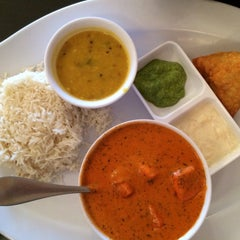 Photo taken at Saffron Indian Cuisine by Crystal on 1/5/2015