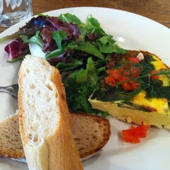 Photo taken at Le Pain Quotidien by LeeCooks on 9/27/2012