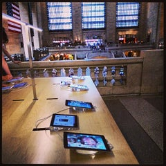 Photo taken at Apple Store, Grand Central by DiMc on 7/8/2013