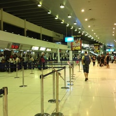Photo taken at T1 International by Joan P. on 11/14/2012