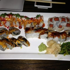 Photo taken at 1225RAW Sushi & Sake Lounge by Bobby H. on 11/14/2012