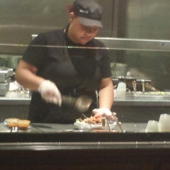 Photo taken at Chipotle Mexican Grill by Living NEO G. on 10/3/2014