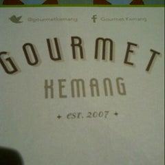Das Foto wurde bei Gourmet Kemang von Adevy K. am 7/30/2013 aufgenommen