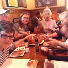 Photo taken at Outback Steakhouse by Manu Z. on 6/15/2014