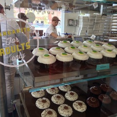 Photo taken at Crave Cupcakes by Sang L. on 5/27/2013