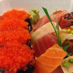 Photo taken at Oishii Japanese Restaurant & Sushi Bar by Sang L. on 5/22/2013