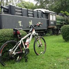 รูปภาพถ่ายที่ สวนวชิรเบญจทัศ (สวนรถไฟ) Vachirabenjatas Park (Rot Fai Park) โดย NuttyRay K. เมื่อ 6/15/2013
