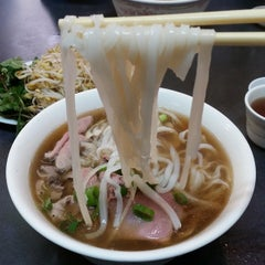 Photo taken at Pho Toan Thang by Tastychopsticks on 9/25/2014