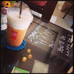 Photo taken at Lomo Cafe'' (โลโม่ คาเฟ่) by Panupong O. on 7/6/2013