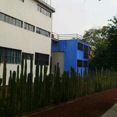 Photo taken at Museo Casa Estudio Diego Rivera y Frida Kahlo by Saúl P. on 11/2/2012