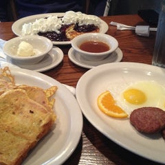 Photo taken at Cracker Barrel Old Country Store by Crystal G. on 10/27/2012