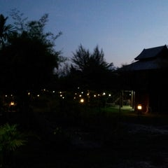 Photo taken at ThaiLife Homestay Resort & Spa by Dutch D. on 4/18/2013