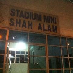 Photo taken at Stadium Mini Shah Alam by Fathul M. on 6/15/2014