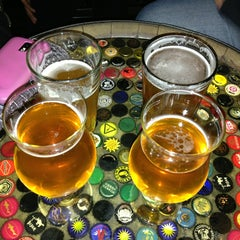 Photo taken at Beer Revolution by Da Juan R. on 6/16/2013