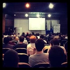 Photo taken at Bloco Amarelo (Escola de Negócios) by  marcos r. on 10/23/2012
