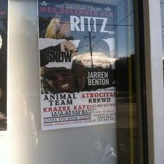 Photo taken at Platinum Kutz by Jesse L. on 10/24/2013