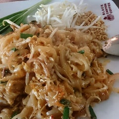 Photo taken at Black Canyon (แบล็คแคนยอน) by Tud T. on 2/11/2014