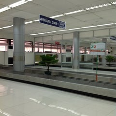Photo taken at Ninoy Aquino International Airport (MNL) Terminal 4 by Dexter Francis D. on 11/6/2012