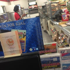 Photo taken at 7-Eleven by Hovsep R. on 12/20/2012
