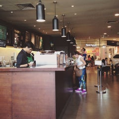 Photo taken at Starbucks by Ratna K. on 8/23/2015