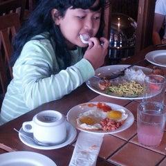 Photo taken at Restaurant Ketapang Indah by Tita H. on 12/27/2013