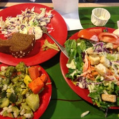 Photo taken at Sweet Tomatoes by Shellie B. on 3/6/2013