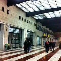 Photo taken at Stazione Firenze Santa Maria Novella by Edoardo D. on 12/25/2012