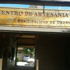 Photo taken at Centro De Artesania Local. Munic.Osorno by Paz C. on 2/18/2013