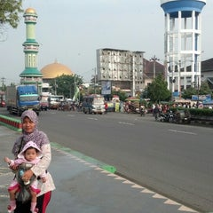 Photo taken at Alun Alun Kendal by Akhmad Yuni A. on 4/12/2014