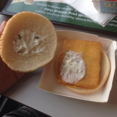 Photo taken at McDonald's by 리하 on 9/19/2015