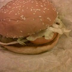 Photo taken at Burger King by Zadi N. on 1/29/2013