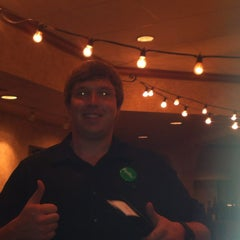 Photo taken at Olive Garden by Luv2puinsai on 10/28/2013