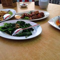 Photo taken at Restoran Cina Muslim Mohd Chan Abdullah by Shaikhah A. on 7/12/2015