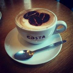 Photo taken at Costa Coffee by Hristiyan K. on 10/23/2012