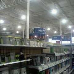 Photo taken at Best Buy by Christina W. on 12/8/2012