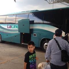 Photo taken at Terminal de Autobuses de Zitacuaro by Alan H. on 5/6/2014