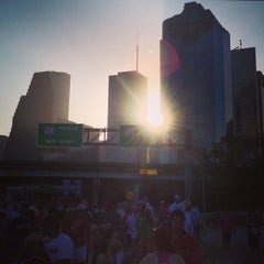 Photo taken at Susan G. Komen Race For The Cure by Miki's L. on 10/7/2013