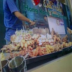 Photo taken at Hongkong Street Food by Richard F. on 10/8/2012