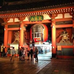 Photo taken at 浅草寺 雷門 (Kaminarimon Gate) by Irma, Miho ゐ. on 5/6/2013