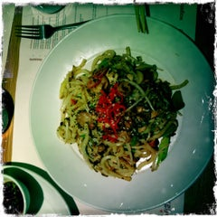 Photo taken at Wagamama by Thorleif W. on 10/28/2012