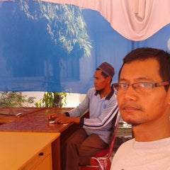 Photo taken at Kantor Dinas Pendidikan Provinsi Riau by Muhammad R. on 8/10/2014