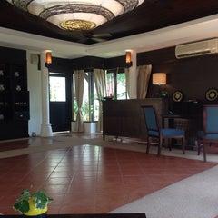 Photo taken at Khaolak Seaview Resort & Spa (เขาหลักซีวิวรีสอร์ทแอนด์สปา) by Panatcha C. on 2/15/2014