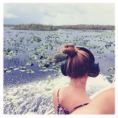 Photo taken at Buffalo Tiger's Airboat Rides by alessandra B. on 9/14/2015
