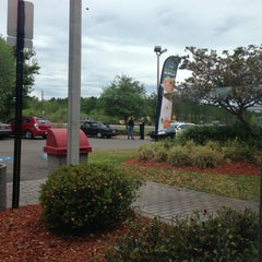 Photo taken at Mcdonalds by Damian S. on 4/14/2013