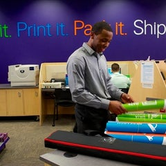Photo taken at FedEx Office Print & Ship Center by Mr F. on 9/13/2015